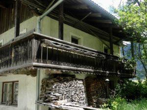 brigitte hager - hof/saale: holz unterm balkon